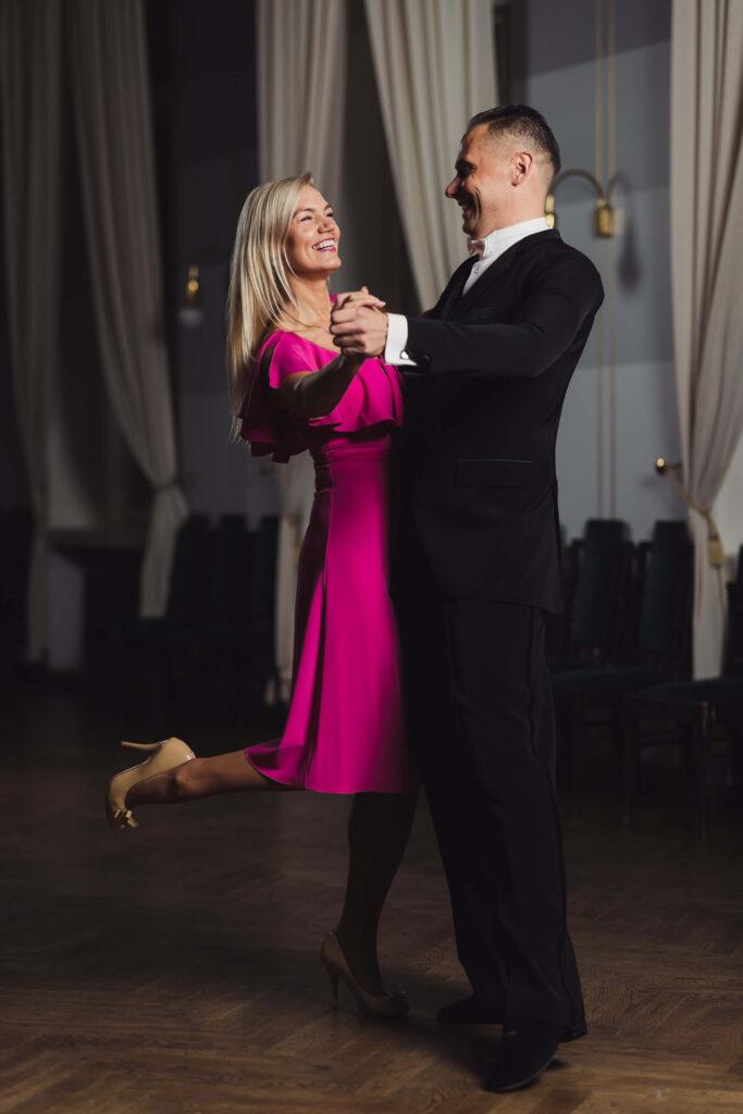 Tantsutrennid täiskasvanutele - Ballroom-dance-course-personal-training-tartu