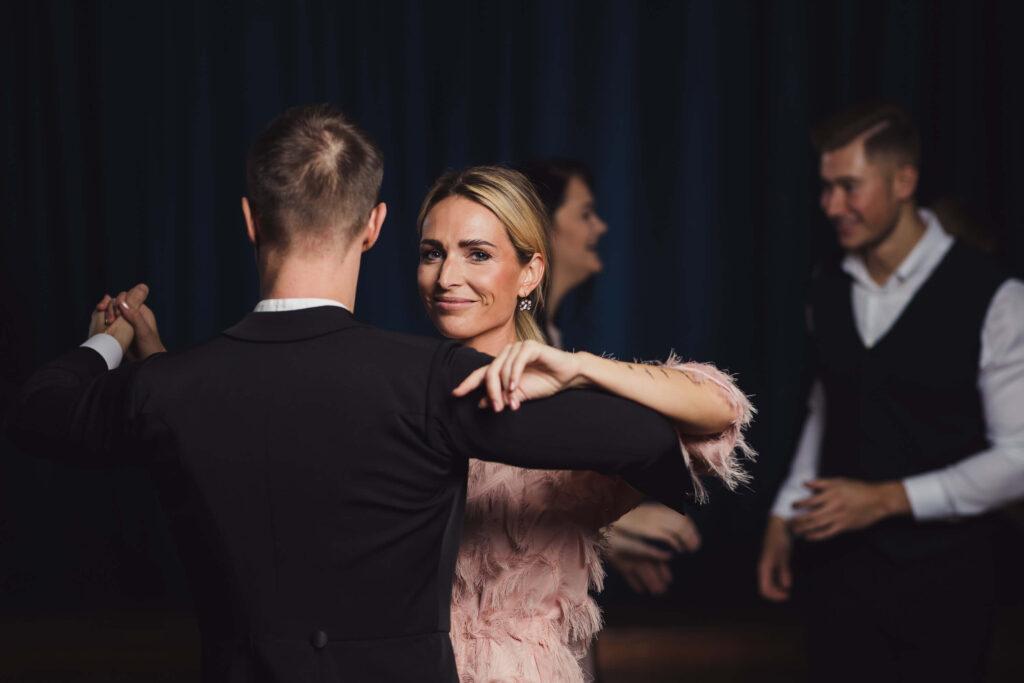 tantsutunnid täiskasvanutele tartus -tantsuõhtu-tantsutrenn-valss